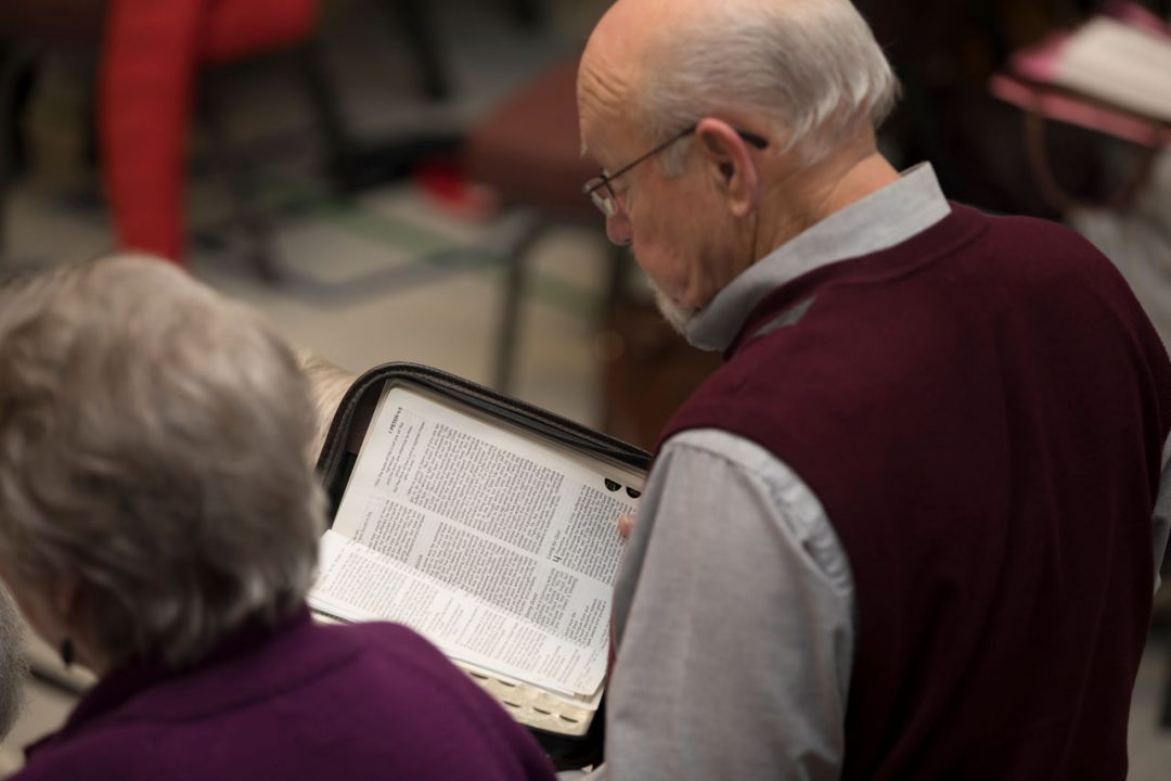 bible-reading-seniors